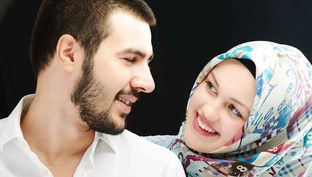 Wahai Istri... Tetaplah Ajak Suamimu Berhubungan Malam Hari di Bulan Ramadhan Seminggu 3 Kali, Ini Manfaatnya !