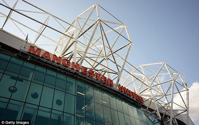 Hai cầu thủ Man Utd bị điều tra trốn thuế