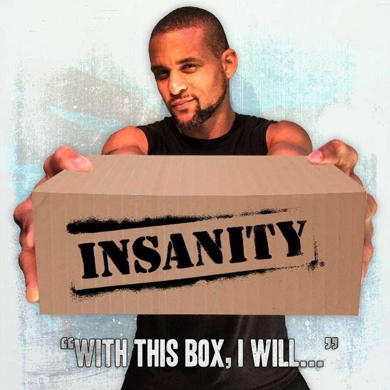 Shaun T tend la boîte d'insanity