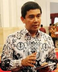 Gulirkan Wacana Rasionalisasi Sejuta PNS, Menteri PAN-RB Diminta Pensiun Dini