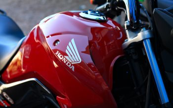 Wallpaper: Red Honda Motorcycle
