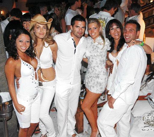 White Wonderland Dress Code