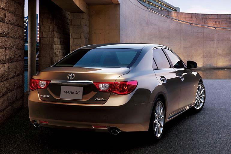 Best Cars: Toyota Mark X 2011