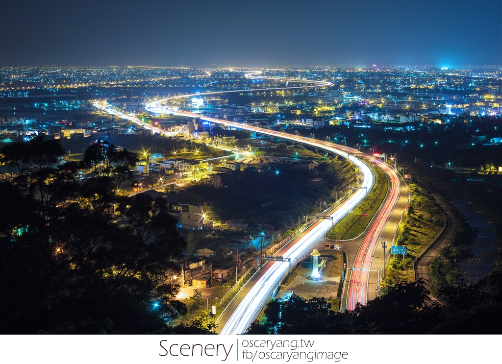 EYE Taiwan X Oscar Yang 奧斯卡攝影生活: 宜蘭國道五號夜景,美麗S型曲線車軌