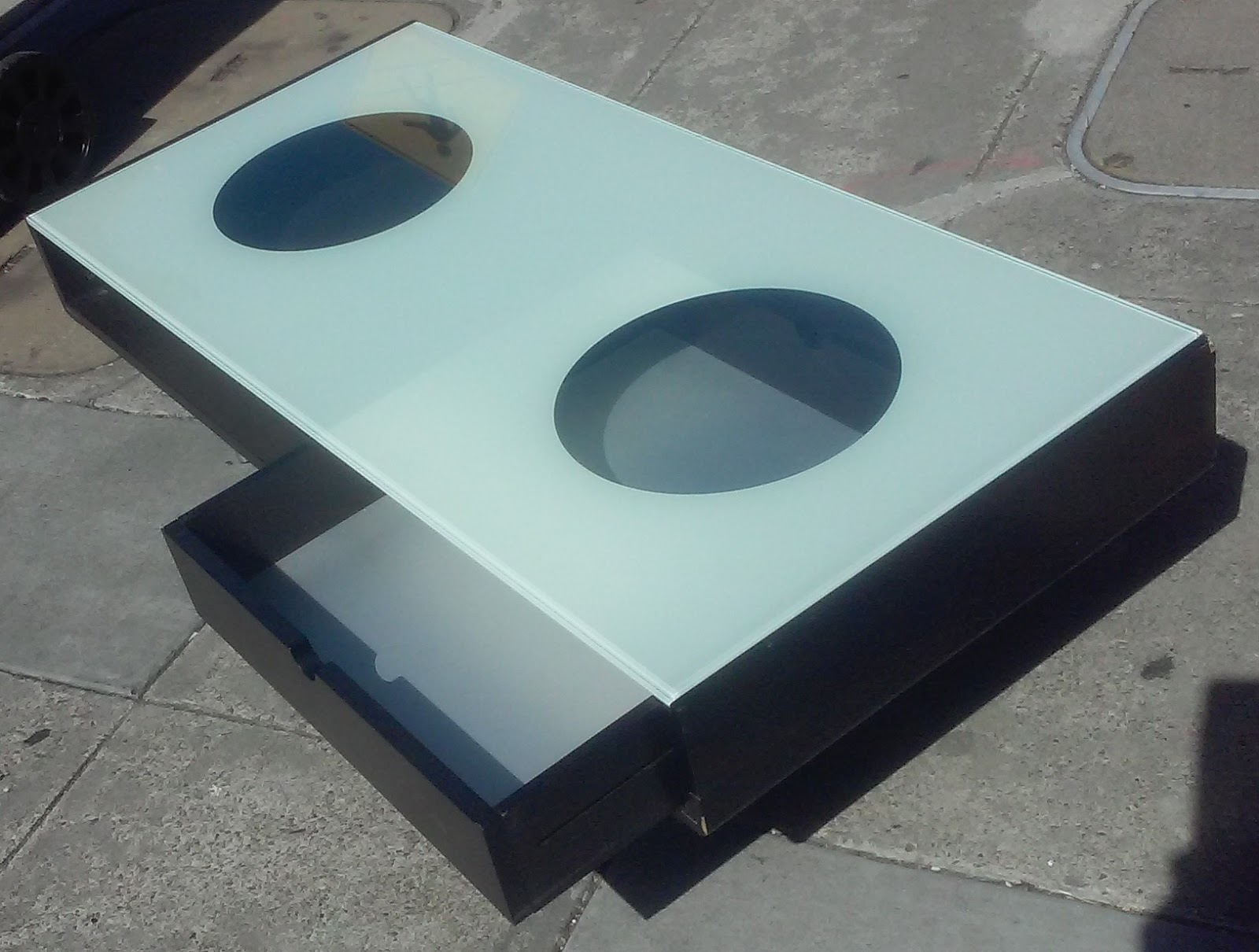 UHURU FURNITURE & COLLECTIBLES 6620 Modern Glass Top 4 Wide