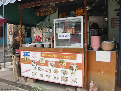 Bang Rak, wifi in small road eatery