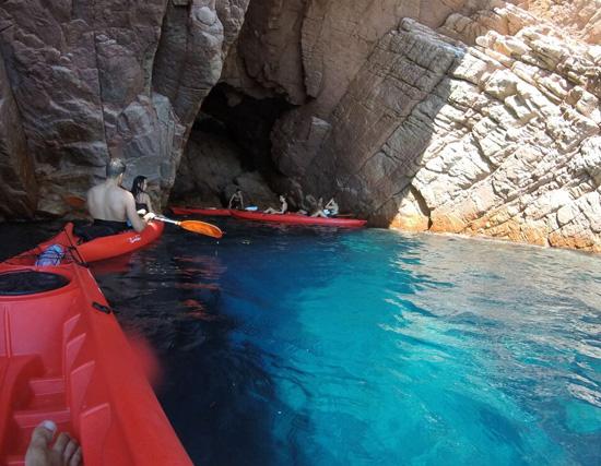 Escursione in canoa nell'AMP di Tavolara