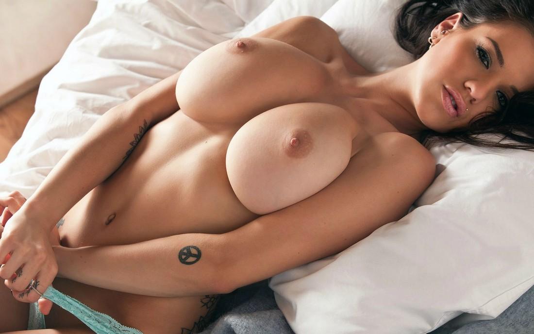 Christine Taylor Porn Image