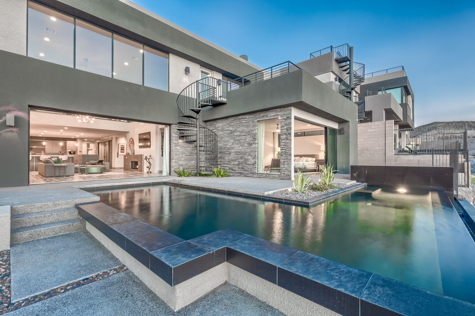 Las Vegas Luxury Homes Sleek Modern Blue Heron Home
