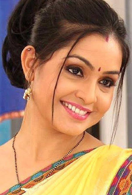Ashi Shubhangi Atre age, wiki, biography, Shubhangi Atre age, marriage, ashi, husband, daughter age, biography, date of birth, family, wiki, wedding, karan patel