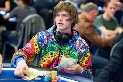 thiên tài Charlie chơi poker online ăn tiền thật 04021701