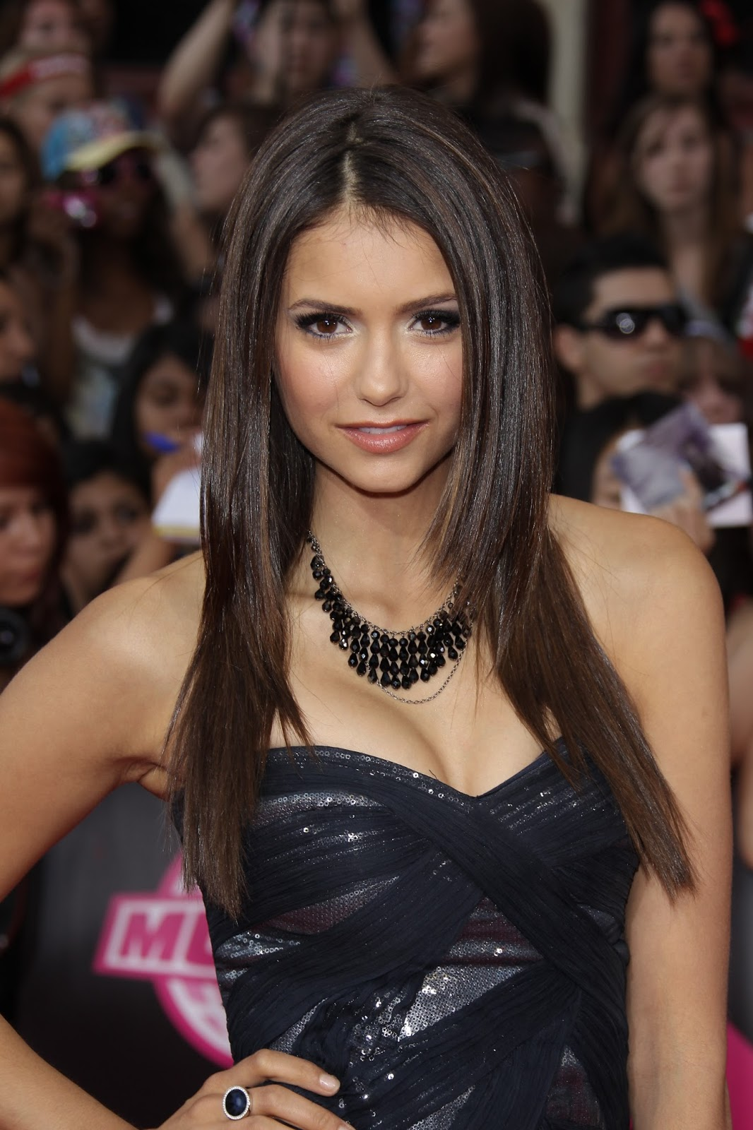 Image Galleries For Lionaid Campaigns: We Love Women: Nina Dobrev