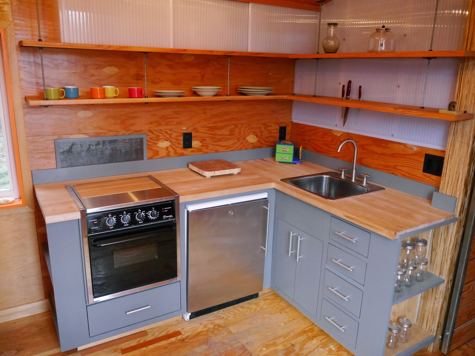 a great tiny house modern kitchen in the 227 house and more. Black Bedroom Furniture Sets. Home Design Ideas