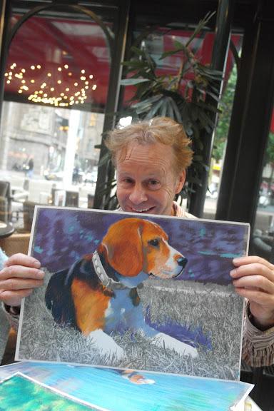 Commerciante con quadro del cane