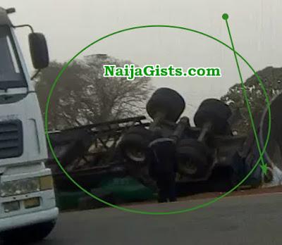 nnpc fuel tanker falls ilorin