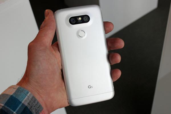 Thay vỏ kính LG G5 chính hãng