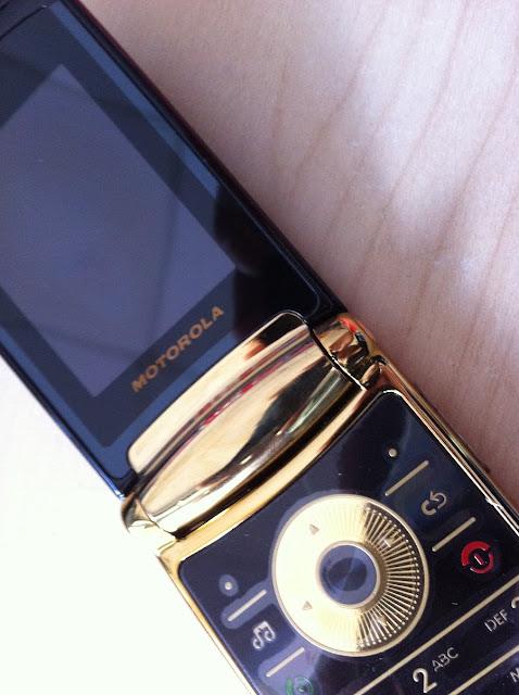 Motorola V8 Luxury Edition 1