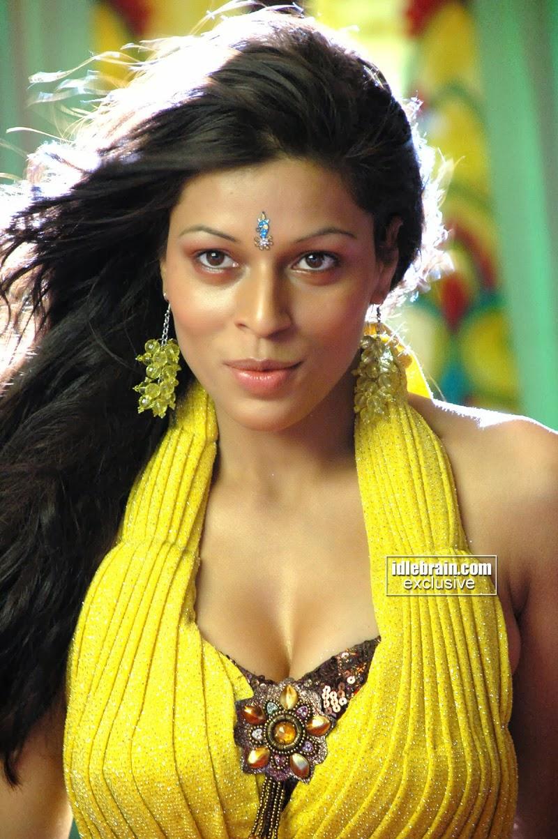 Hot Sexy Item Girl Jyothi Rana Pokiri Fame In Yellow  Piece