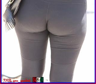 Preciosa chava buen trasero calzas