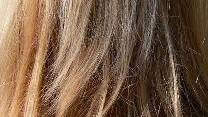 perawatan rambut rusak akibat rebonding
