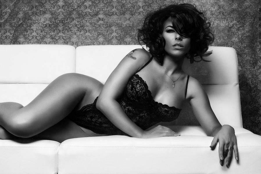Women erotic photographers