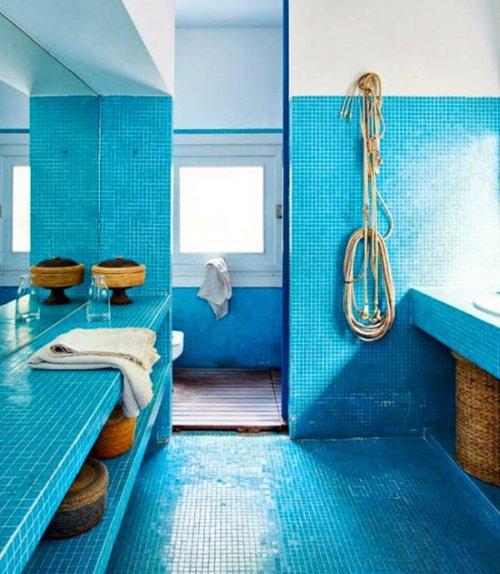 Ba os en color azul decoraci n for Banos turquesa y marron