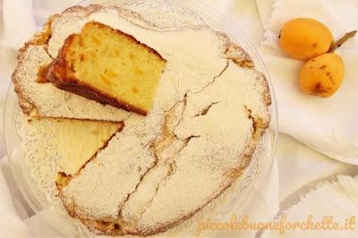 foto Ricetta torta dolce morbida con nespole per bambini