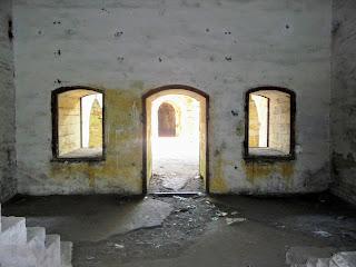 Тараканов. Форт. Внутренние помещения казематов