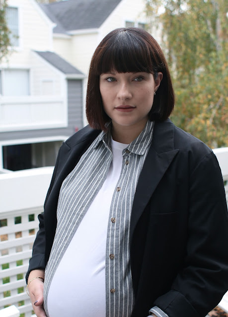 White, Grey, Black, Pregnancy style, OOTD, Fashion blogger, Pregnancy blog, Layering, fall fashion