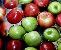 bobbing-for-apples.jpg