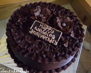 kue ulang tahun anniversary coklat