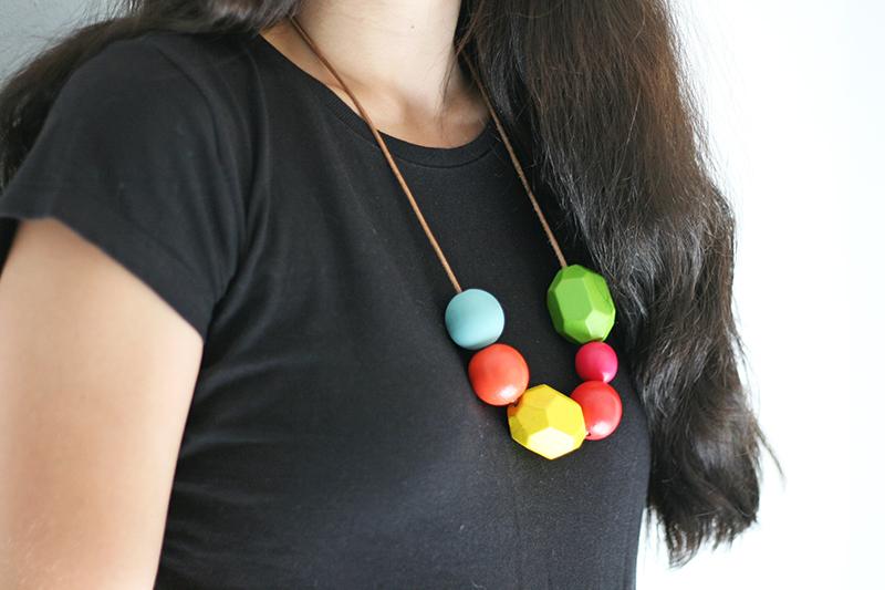 Resultado final de un hazlo tú mismo - Collar con bolas de madera