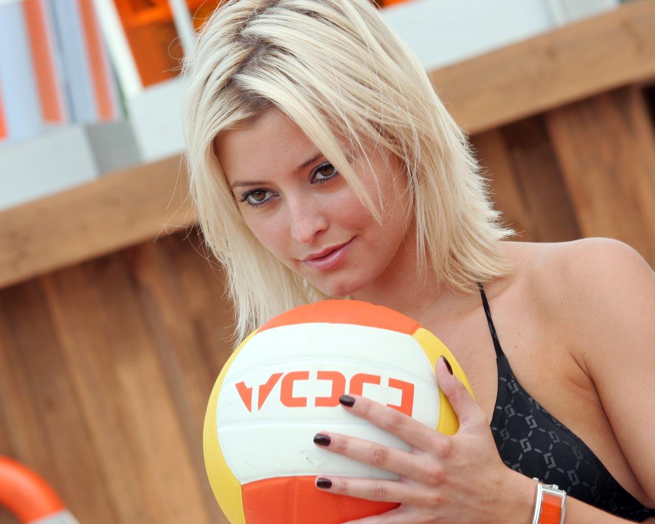 Beach Volleyball Women Wallpaper