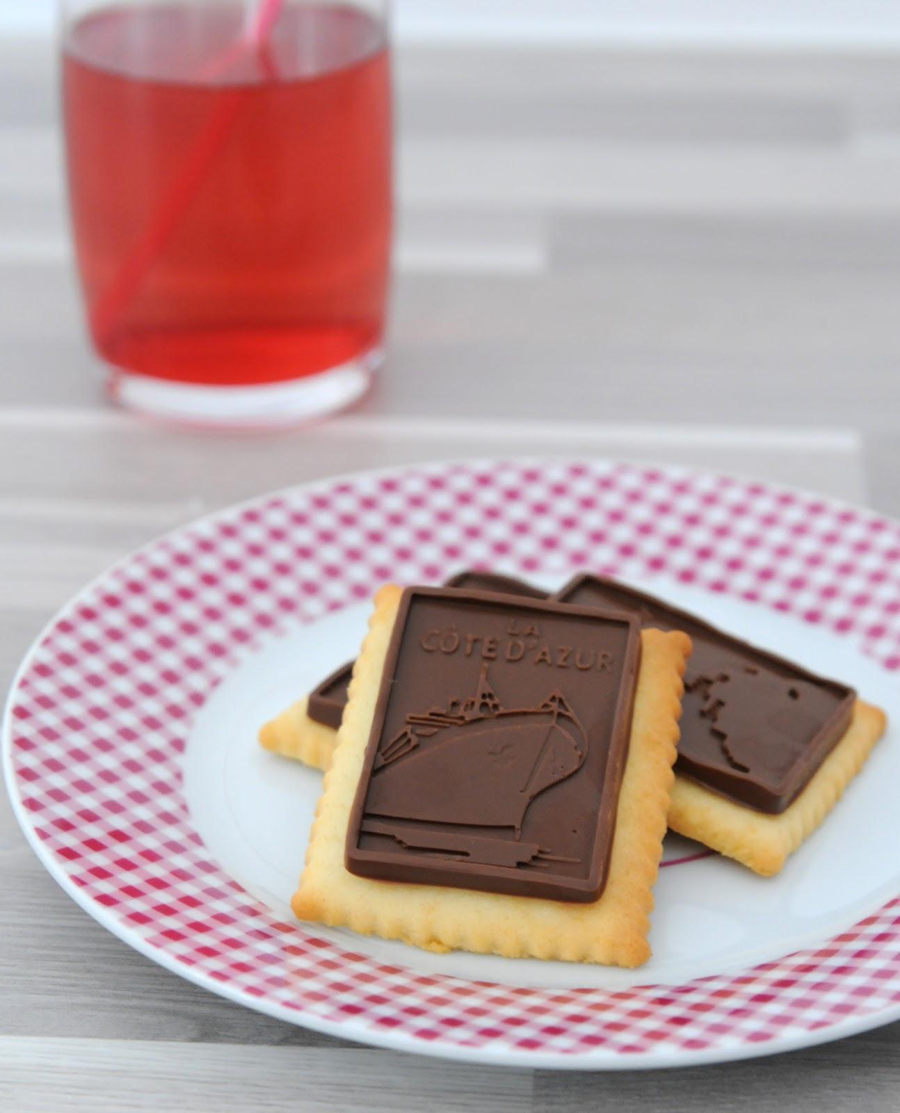 13 desserts chacun petits beurre maison au chocolat au lait. Black Bedroom Furniture Sets. Home Design Ideas