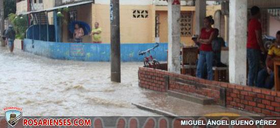 Residentes de Las Palmeras, perjudicados con la lluvia | Rosarienses, Villa del Rosario