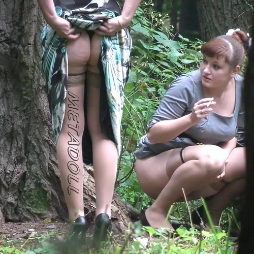 Voyeur secretly films women at a wedding going into the bushes to take a pee. (Wedding Pissing Park 07)