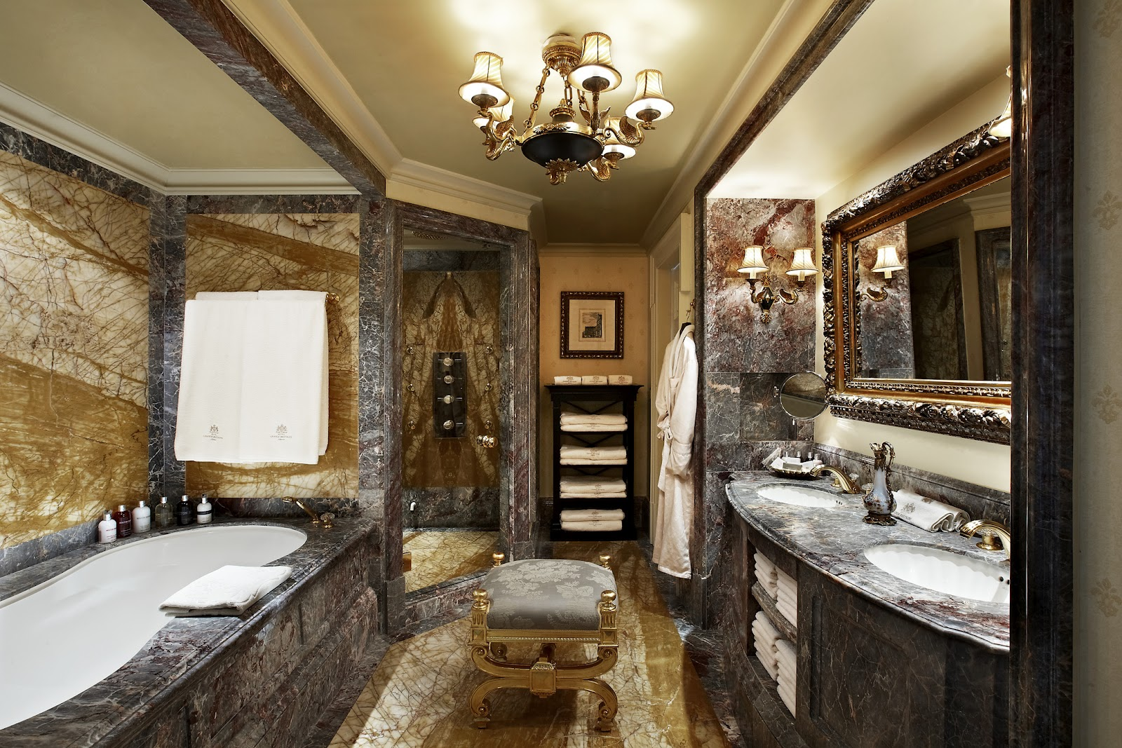 Passion for luxury hotel grande bretagne athens for 1600 bath suite