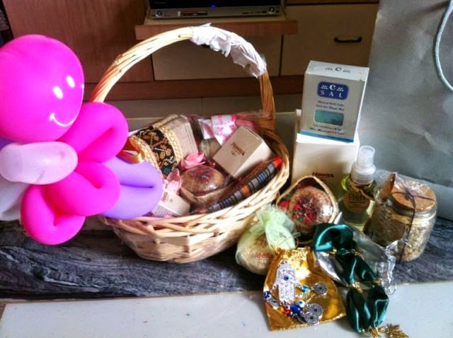 flenco gift basket roy