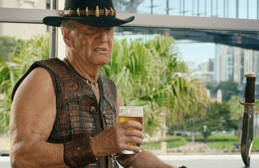 "Paul Hogan, de Crocodilo Dundee, vai estrelar a comédia ""Very Excellent Mr. Dundee!"""