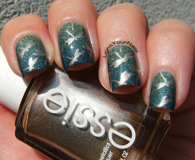 Dragonflies on the pond stamping with BP-74 nail plate from BornPrettyStore