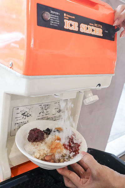 清心緣蔬食坊台中店素食吃到飽198元,數十道料理還有甜點飲品
