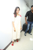 Samantha Ruth Prabhu Smiling Beauty in White Dress Launches VCare Clinic 15 June 2017 023.JPG