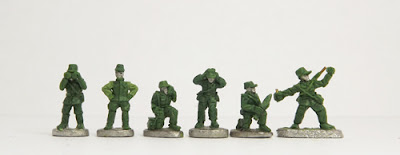 Officers x 2 / Radio Op / Mortar crew x 2 / Throwing grenade: