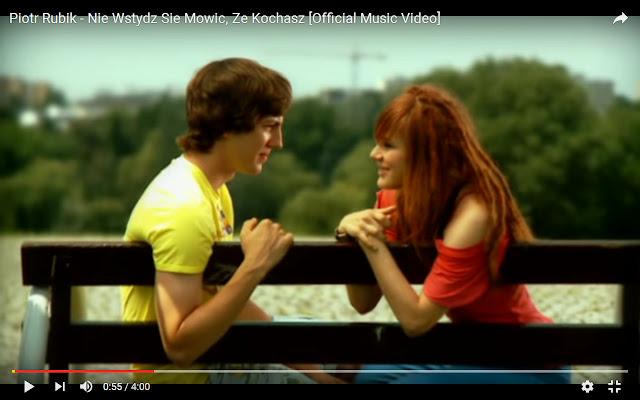 """Zdjęcie z teledysku """"Nie wstydź się mówić, że kochasz"""", Piotr Rubik"""