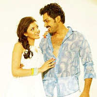 Kajal agarwal and karthi in romance scene