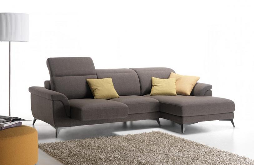 Poltrona con divano in regalo divano letto p vintage for Regalo divano letto