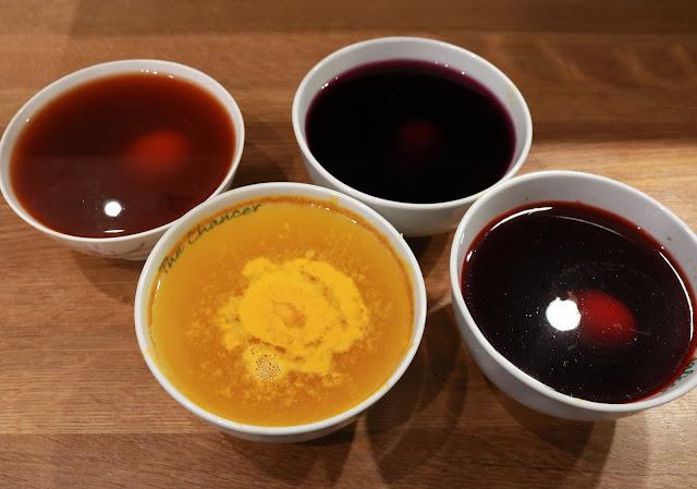 barwienie pisanek naturalnymi barwnikami