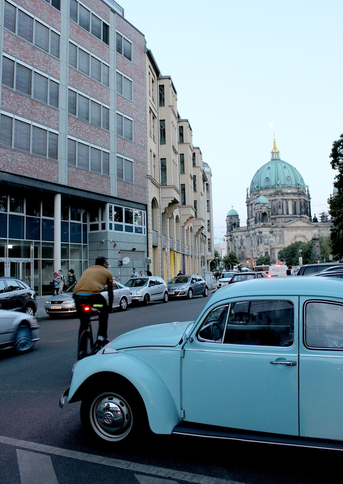 Berlin Cathedral Church, Berlin Citylife, Berliner Dom, Beatle, Blue Beatle, Blau