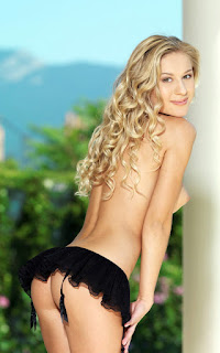 Twerking blondes - Candice%2BB-S02-033.jpg