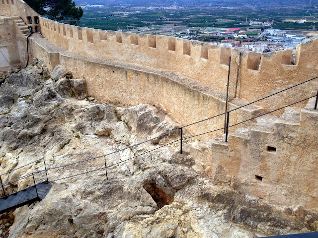 murallas castillo menor de Xátiva